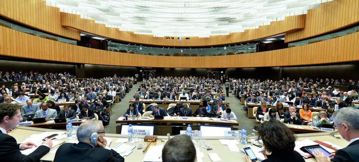 States Agree Key Document On Route To Climate Change Agreement Un