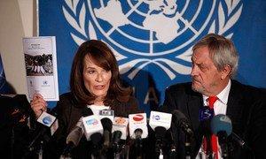 La chef des droits de l'homme au sein de la Mission de l'ONU en Afghanistan, Georgette Gagnon, et le Représentant spécial pour l'Afghanistan, Nicholas Haysom. Photo MANUA/Fardin Waezi