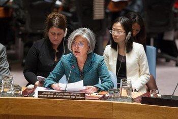 La Sous-Secrétaire générale des Nations Unies aux affaires humanitaires et Coordinatrice adjointe des secours d'urgence, Kyung-wha Kang, devant le Conseil de sécurité de l'ONU en février 2015. Photo : ONU/Loey Felipe