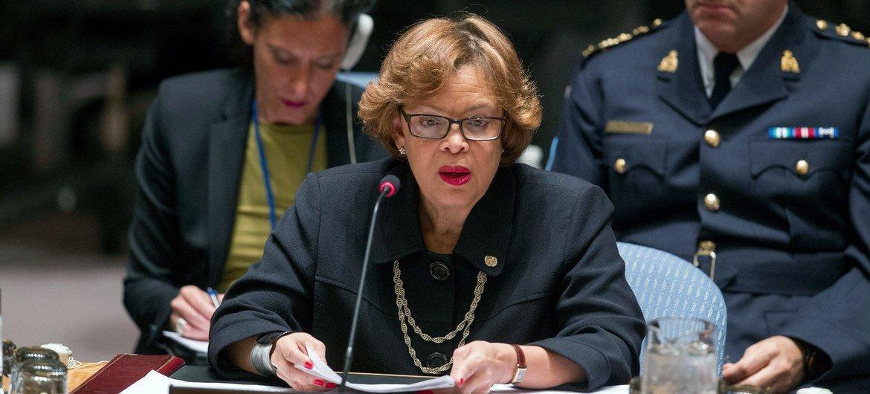 La Représentante spéciale du Secrétaire général pour Haïti et cheffe de la Mission des Nations Unies pour la stabilisation du pays (MINUSTAH), Sandra Honoré, devant le Conseil de sécurité de l'ONU. Photo : ONU / Loey Felipe