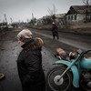 Residentes de Nikishino, un pueblo en el este de Ucrania. Foto: ACNUR/Andrew McConnell