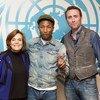 En el Día Internacional de la Felicidad, el cantante Pharrell Williams (centro) se unió a los ambientalistas Sylvia Earle (izq.) y Phillippe Cousteau en un evento educativo en la ONU para apoyar la acción contra el cambio climático. Foto de archivo: ONU/Loey Felipe