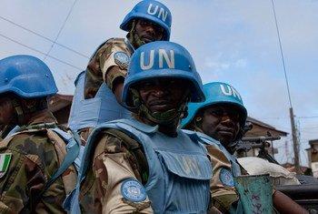Des casques bleus de la Mission des Nations Unies au Libéria (MINUL).