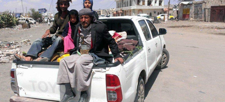 Miles de yemeníes han huido de la capital de Sanaa a causa de la violencia. Foto: IRIN/Almigdad Mojalli
