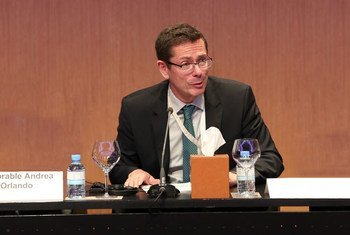 Ivan Šimonović, Assistant Secretary-General for Human Rights, moderates a discussion on the death penalty at the Doha Crime Congress.