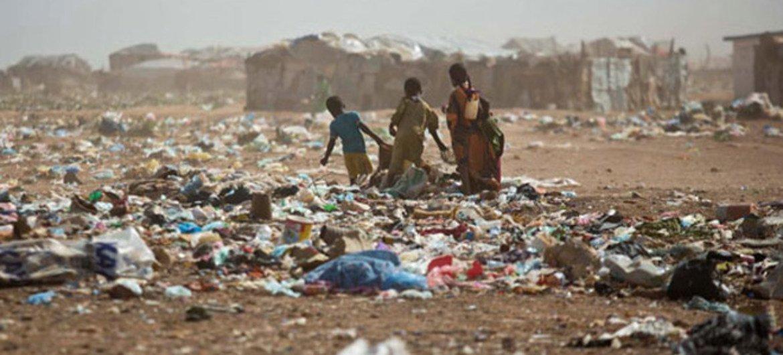 Niños en un campamento de desplazados en Somalia  Foto:UNICEF/Kate Holt