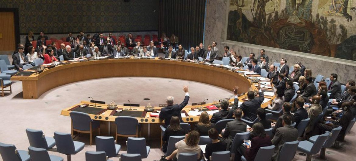 Security Council votes to extend the UN Mission in Western Sahara through April 2016.