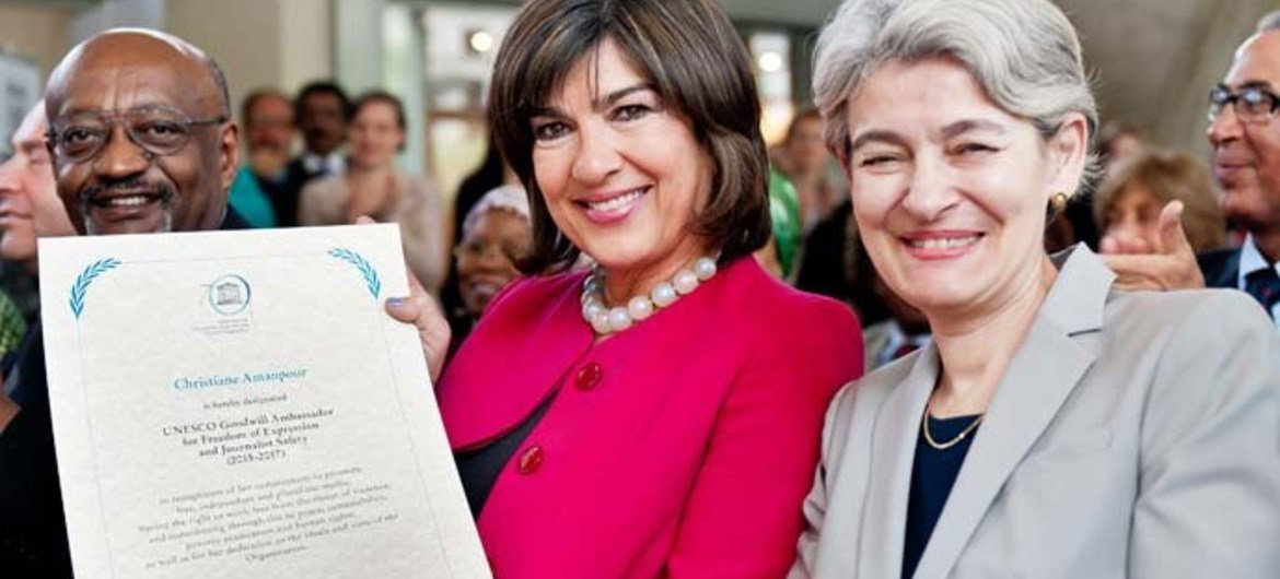 UNESCO Director-General Irina Bokova (right) with Christiane Amanpour, newly named Goodwill Ambassador for Freedom of Expression and Journalist Safety.