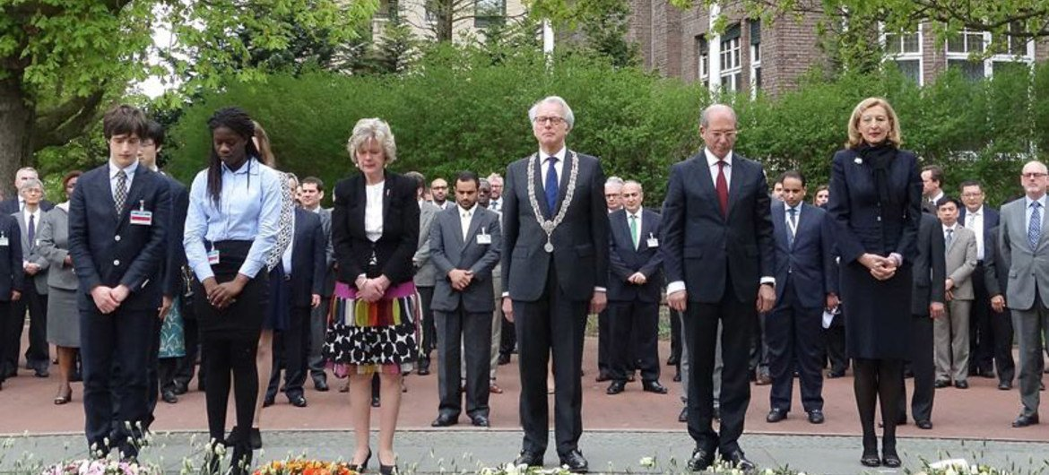 Minute of silence being observed at the annual Day of Remembrance for all Victims of Chemical Warfare held at the Headquarters of the Organisation for the Prohibition of Chemical Weapons (OPCW) in The Hague. 2015.