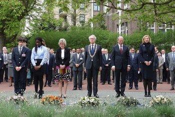 Церемония  памяти  жертв химического оружия  в штаб-квартире  ОЗХО в Гааге.