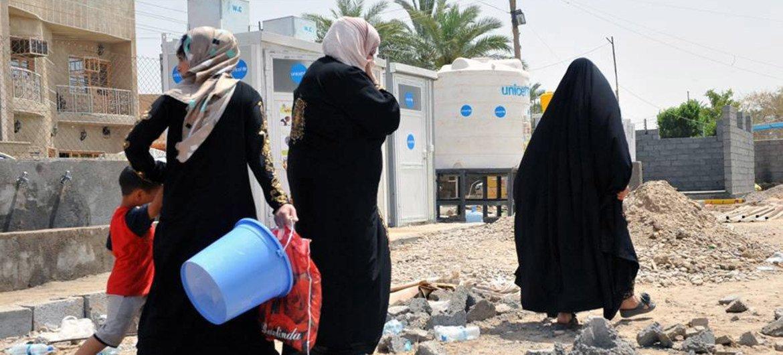 Raia wa Iraq wasio na makazi kutoka wilaya ya Ramadi katika mkoa wa Anbar.