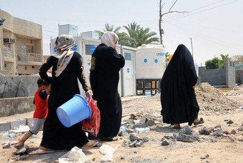 العراقيون النازحون من منطقة الرمادي في محافظة الأنبار. من صور: الأمم المتحدة في العراق