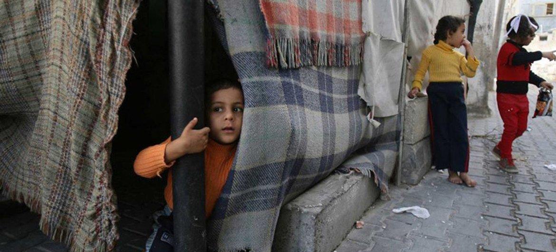 Niños en un campamento de refugiados en Khan Youni, en Gaza. Foto: UNICEF/Eyad El Baba