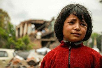 Niña afectada pr el terremoto en Nepal. Foto: UNICEF/Anthony