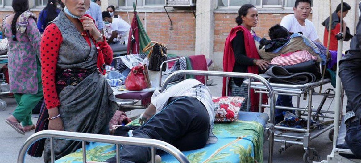 Following the second earthquake on 12 May 2015, many patients in hospitals and clinics in Nepal had to leave the building where they were treated. Some said they felt safer outside.