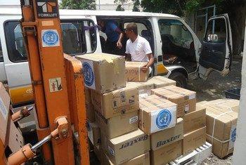De l'assistance humanitaire dans un entrepôt de l'OMS à Sanaa, au Yémen. Photo OMS Yémen