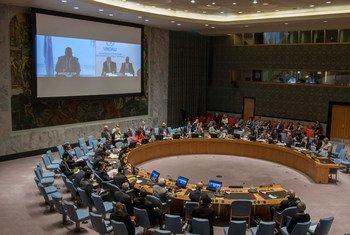 安理会就索马里局势举行会议。联合国图片/Loey Felipe