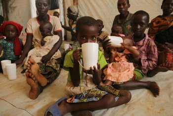 Des enfants dans le camp de Mahama au Rwanda qui accueille des milliers de réfugiés du Burundi. Photo : UNICEF/Mike Pflanz