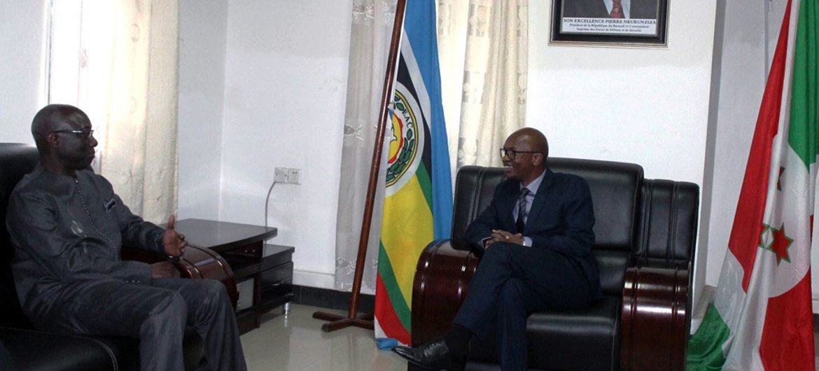 Special Adviser Adama Dieng (left) with Burundian Minister of External relations and International Cooperation, Aime Alain Nyamitwe.
