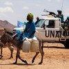 قوات اليوناميد تقوم بدورية روتينية في مخيم للنازحين جنوب دارفورالصورة:البرت غونزالس فاران