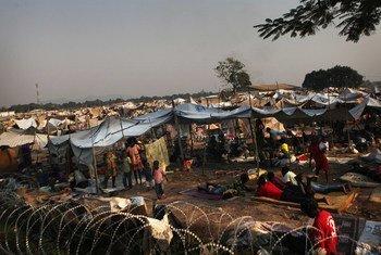Перемещенные лица в районе  аэропорта в ЦАР. Фото ЮНИСЕФ