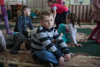 2015年乌克兰东部顿涅茨克地区一所幼儿园内的儿童。儿基会图片/Aleksey Filippov