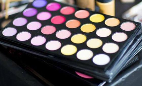 Microplásticos são encontrados em muitos produtos de beleza