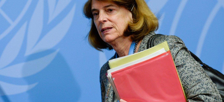 ماري ماكغوان ديفيس ، رئيسة اللجنة المستقلة لتقصي الحقائق حول صراع غزة عام 2014، في مؤتمر صحفي في جنيف. صور الأمم المتحدة / جان مارك فيري