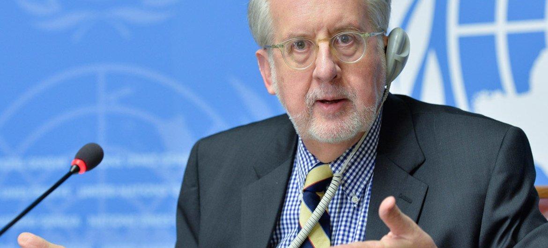 رئيس اللجنة الدولية المستقلة للتحقيق في الانتهاكات في سوريا باولو سيرجيو بينيرو، في مؤتمر صحفي في جنيف. من صور الأمم المتحدة / جان مارك فيري