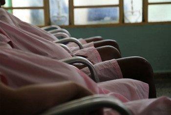 La OPS ha trabajado con asociados en Cuba y otros países en una iniciativa regional para eliminar la transmisión madre a hijo del VIH. Foto: OPS/OMS