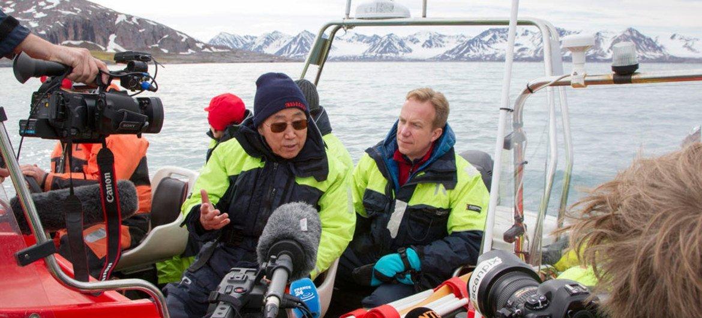 Ban Ki-moon en el polo norte. Foto: ONU/Rick Bajornas