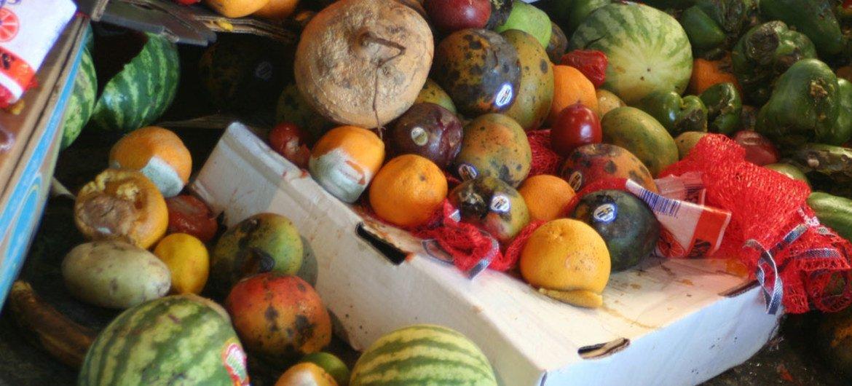 En América Latina y el Caribe se desperdicia de media unos 223 kilos de comida al año por habitante.