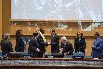 潘基文秘书长在亚的斯亚贝巴出席第三次国际发展融资大会。联合国图片Eskinder Debebe