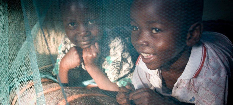 Дети в Кении защищены от малярии специальными сетками. Фото ЮНИСЕФ