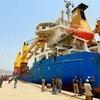 Barco con ayuda alimentaria para la población en Yemen  Foto PMA/Ammar Bamatraf