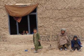 Des Afghans de la province Faryab, dans le nord de l'Afghanistan. Photo HCR/Sisomsack