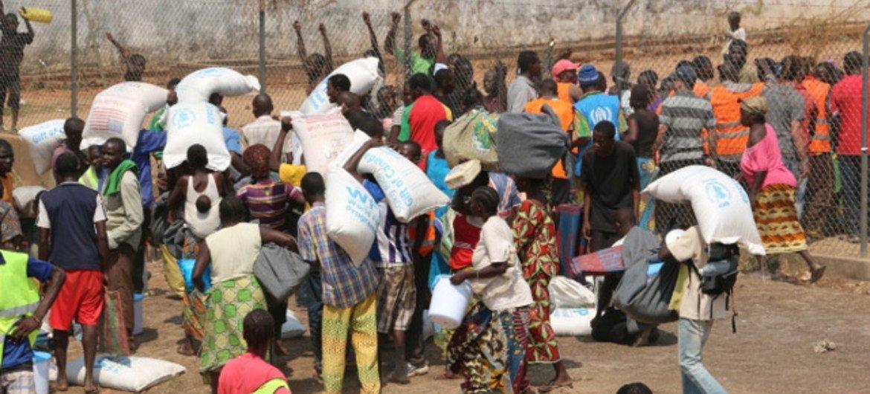 Distribution d'aide à Bangui, en République centrafricaine, en juillet 2015. Photo OCHA