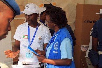 Наблюдатели ООН на выборах в Бурунди Фото МООНВБ