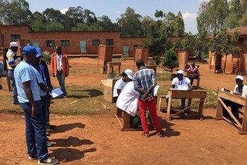 联合国选举观察员对布隆迪大选进行监测。联合国布隆迪特派团图片