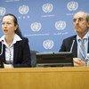 Elzbieta Karska (izq.) y Gabor Rona, integrantes del Grupo de Trabajo sobre el uso de mercenarios.  Fot de archivo: ONU/Mark Garten