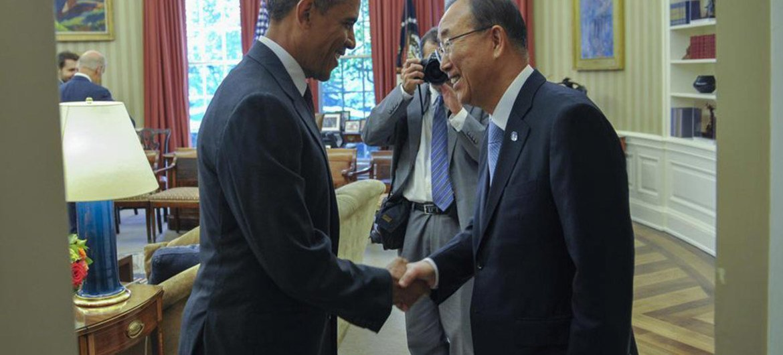 US President Barack Obama (left) greets Secretary-General Ban Ki-moon on his arrival at the White House.