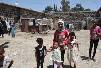Albergues temporales del OOPS para refugiados palestinos.