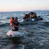 Un grupo de refugiados sirios llega a la isla griega de Lesbos desde Turquía. Foto archivo: ACNUR/A.McConnell