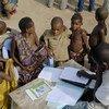 Registro de nuevos nacimientos en la República del Congo, donde las tasas de desnutrición infantil son desproporcionadamente altas. Foto: UNICEF/Williams