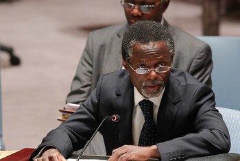 الممثل الخاص للأمين العام في جمهورية أفريقيا الوسطى ورئيس بعثة الأمم المتحدة هناك بارفيه أنيانغا (أرشيف)