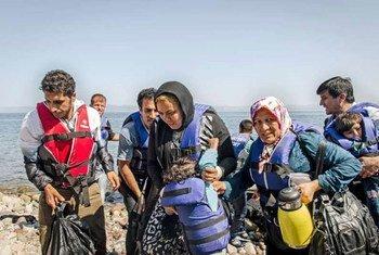 Numerosos refugiados llegaron a Grecia por mar en julio, huyendo de la guerra y la violencia en sus países  Foto:ACNUR/J. Akkash