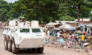 Peacekeepers serving with the UN Multidimensional Integrated Stabilization Mission in the Central African Republic (MINUSCA) on patrol in Bambari.