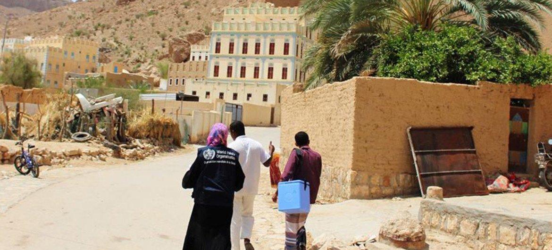 حملة وطنية للتلقيح ضد شلل الأطفال والحصبة والحصبة الألمانية، في اليمن. المصدر: منظمة الصحة العالمية اليمن