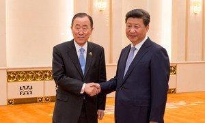 Secretary-General Ban Ki-moon (left) meets with President of China Xi Jinping.