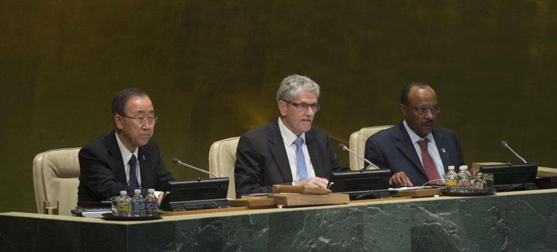 第70届联大主席吕克托夫特主持联大会议。联合国/Eskinder Debebe